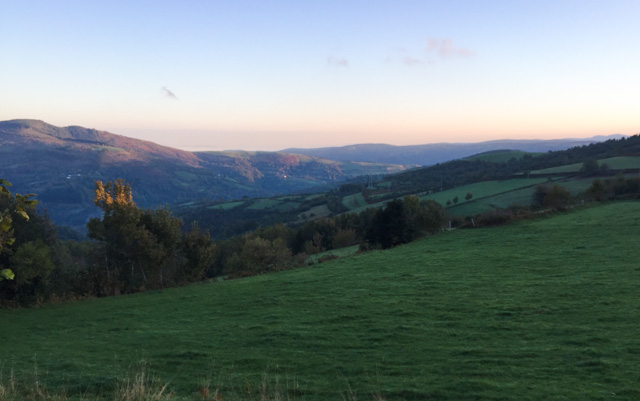 Approachin O Cebreiro, Galicia region